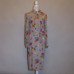 Dresses & Skirts - Vintage Floral Tie Neck Midi Shift Dress